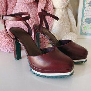 Brand new SLY High heels, size 7